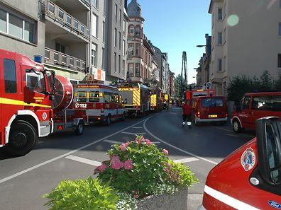Zehn Stunden benötigten die Einsatzkräfte, um das Feuer zu löschen.