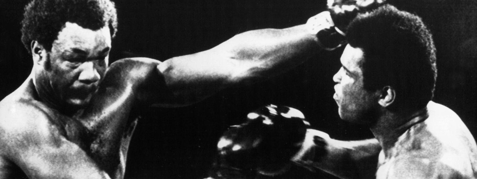 Rumble in the Jungle: Im legendärsten Kampf der Boxgeschichte wurde George Foreman überraschend von Muhammad Ali (r.) besiegt.