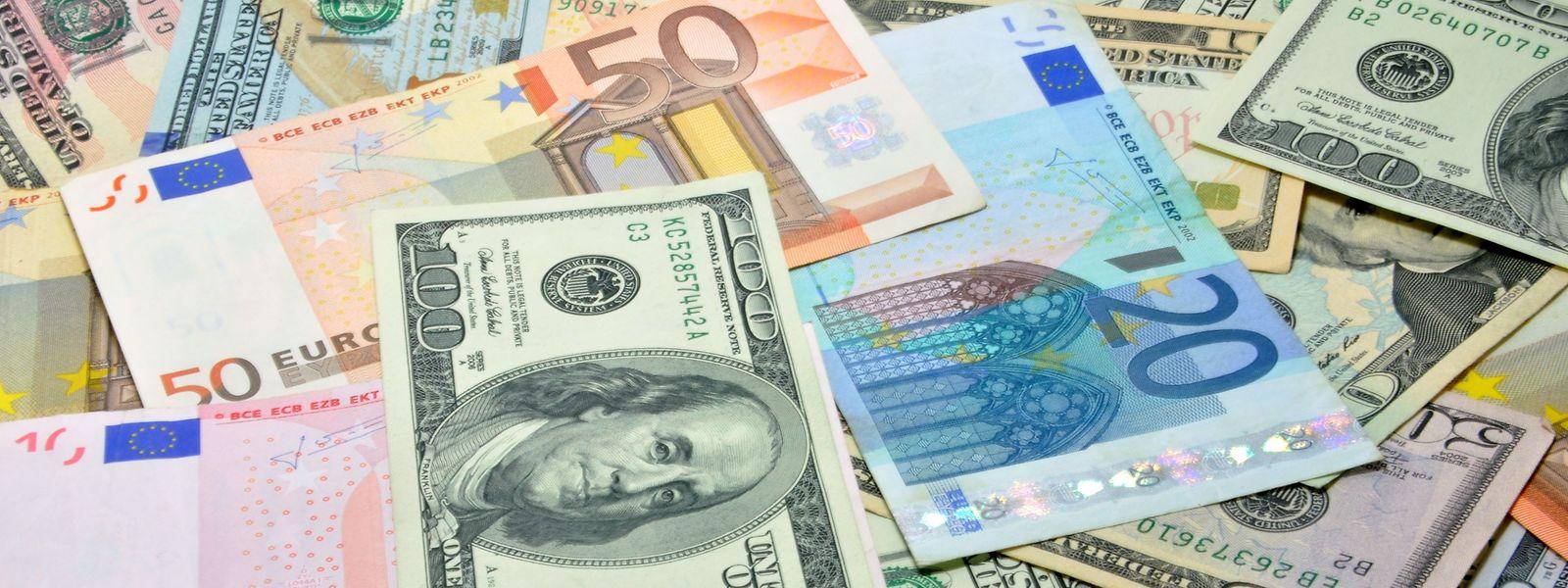 Seit Wochen fällt der Greenback gegenüber dem Euro im Wert – die Furcht vor einem Dollar-Crash geht um.