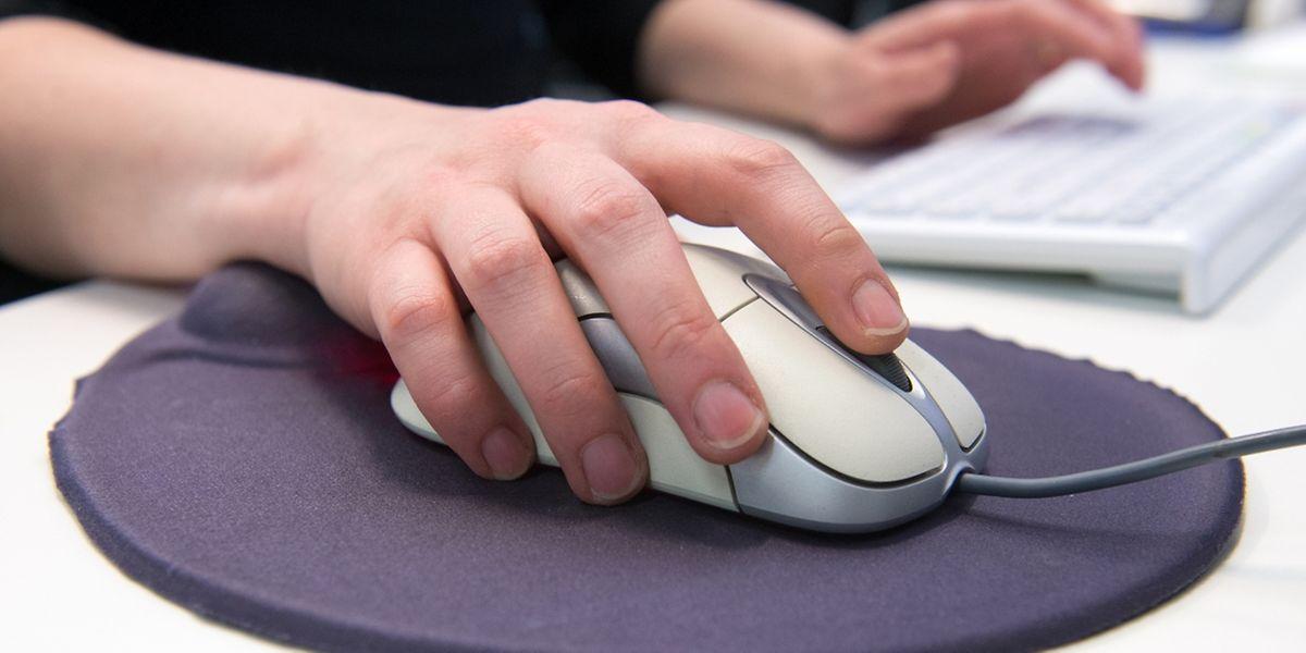 Die richtige Maus für entspanntes Arbeiten hat alle Knöpfe und Schalter in bequemer Reichweite - ohne dass die Finger gestreckt werden müssen.