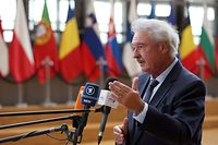 Luxembourg's European Affairs Minister Jean Asselborn talks to the press as he arrives for an EU interior ministers emergency meeting on Afghanistan in Brussels on August 31, 2021. (Photo by Fran�ois WALSCHAERTS / AFP)