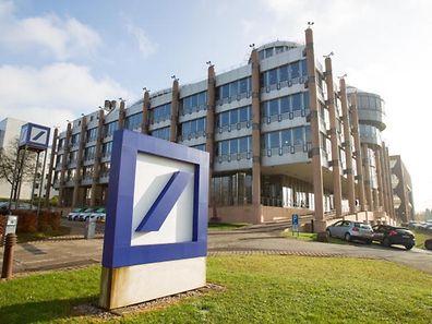 """Die Deutsche Bank gründete bis 2007 insgesamt über 400 Briefkastengesellschaften über Luxemburg und Panama, laut den """"Panama Papers""""."""