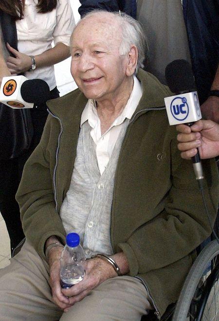 """Der echte Paul Schäfer, Gründer der """"Colonia Dignidad"""" wurde 2005 verhaftet. Er war einer der meist gesuchten Verbrecher in Chile und wurde schließlich wegen Kindesmissbrauch verurteilt."""