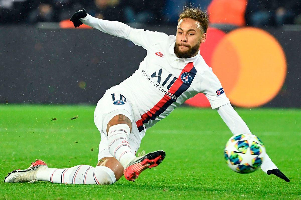 Grand prince, Neymar a laissé Edison Cavani tirer le penalty de la fin du match contre Galatasaray.