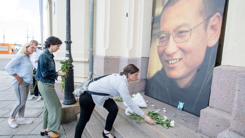 O vencedor do Prémio Nobel de Paz de 2010, Liu Xiaobo faleceu hoje aos 61 anos na China.