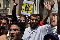 Freitagsproteste in Kairo: Viele Ägypter sind empört, dass Mubarak nicht mehr hinter Gittern sitzt. Doch sie haben auch andere Sorgen - zum Beispiel die nicht endende Gewalt zwischen den Muslimbrüdern und ihren Gegnern.