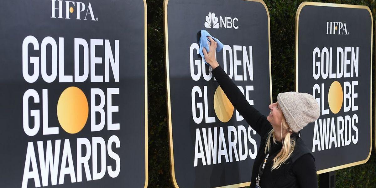 Letzte Vorbereitungen am Roten Teppich der 76. Globes-Verleihung.
