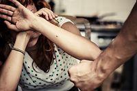 """""""Das Risiko, dass die physische und psychologische Gewalt sich erhöht, ist gegeben"""", sagt eine Psychologin."""