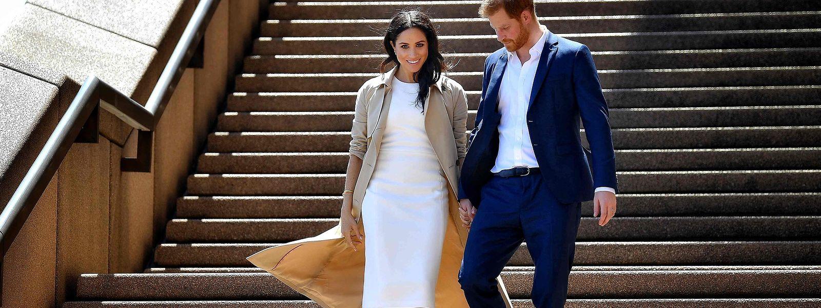 Prinz Harry und Meghan Markle gaben am 6. Juni 2021 die Geburt ihrer Tochter Lilibet Diana bekannt, die nach einem Jahr der Turbulenzen im britischen Königshaus in Kalifornien zur Welt kam.