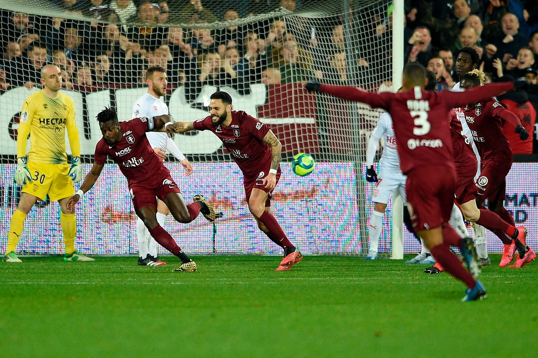 En remportant leur huitième succès de la saison face à Nîmes, grâce à John Boye en fin de match, les Messins comptent désormais 34 points.