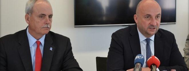 O acordo foi assinado entre o ministro da Defesa, Etienne Schneider (à esq.), e o director-geral da NSPA Mike Lyden