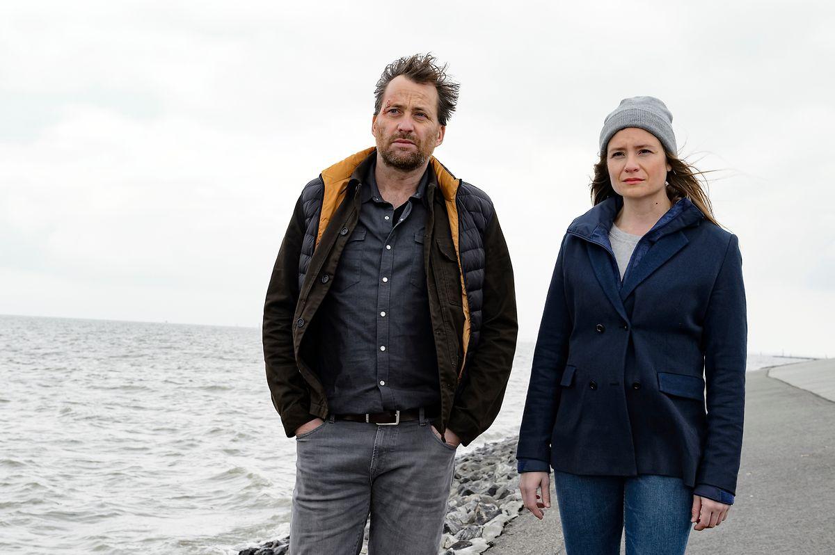 Werden sie den Mörder schnappen? Frank Weller (Christian Erdmann) und Ann Kathrin Klaasen (Julia Jentsch) forschen mit ihren ganz eigenen Methoden.