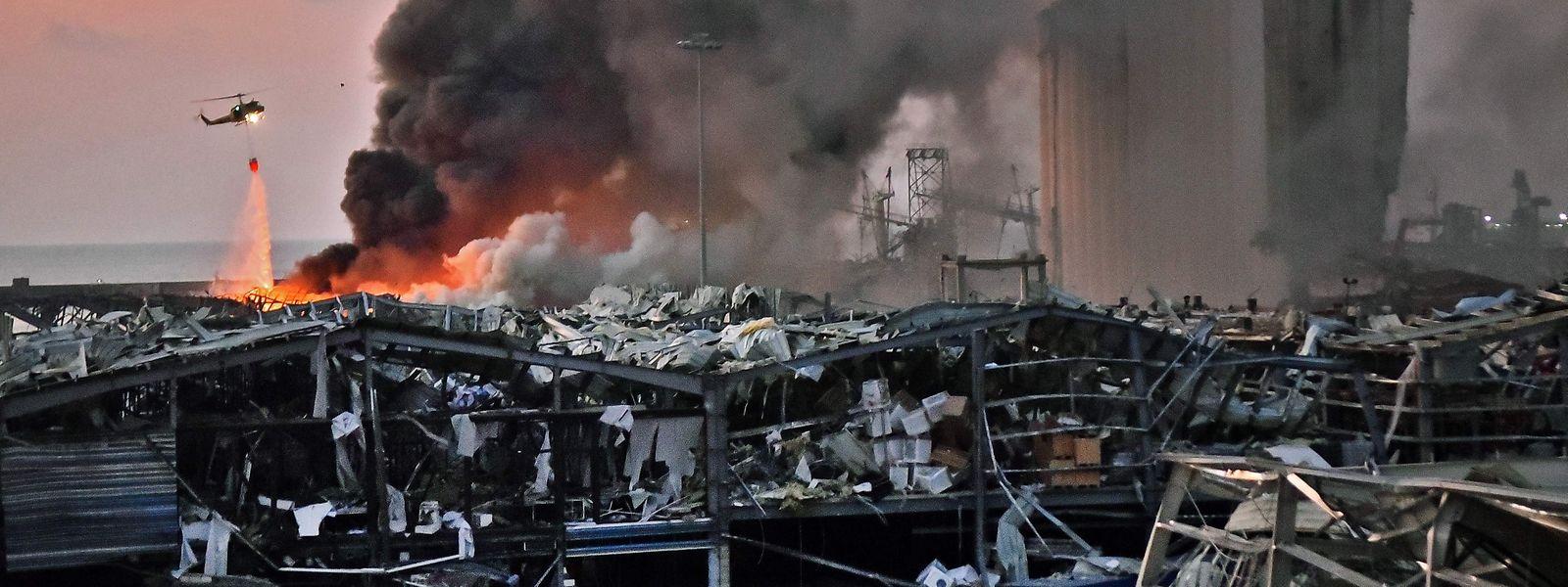 Deux explosions ont dévasté le port de Beyrouth.