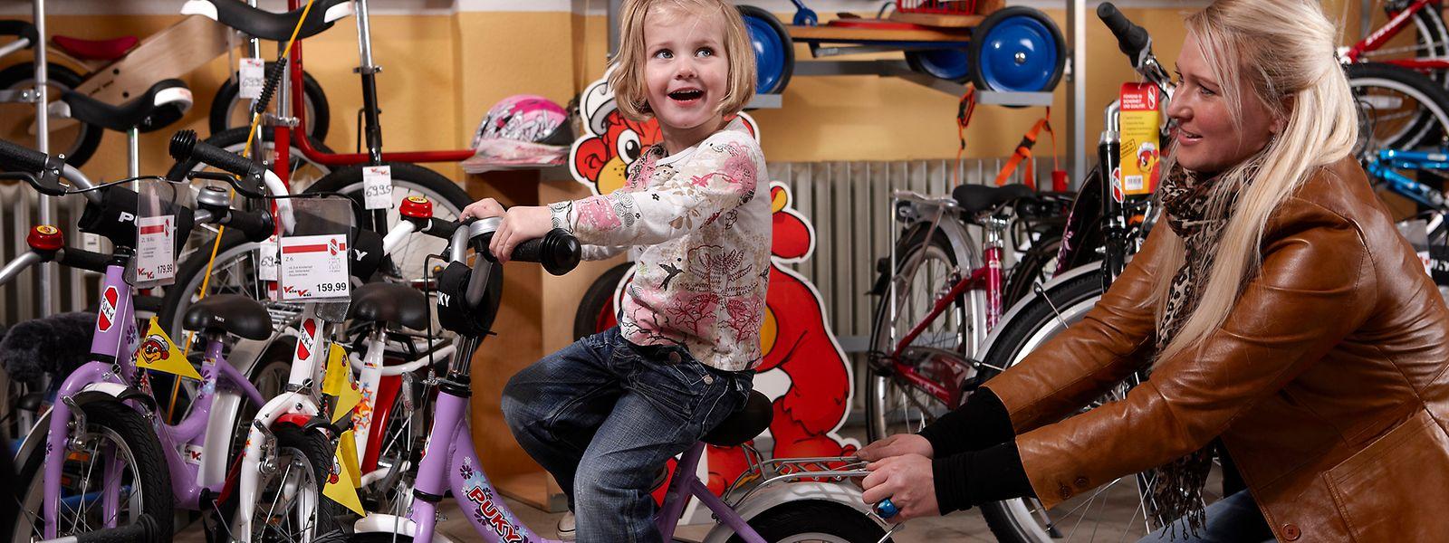 Wenn das Fahrrad auch dem Kind optisch gut gefällt, wird es dieses auch lieber fahren wollen.