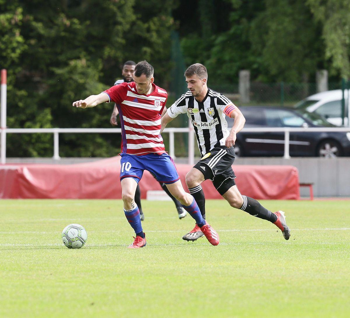 Stefano Bensi (l.) hatte einen schweren Stand gegen Milos Todorovic und Jeunesse.