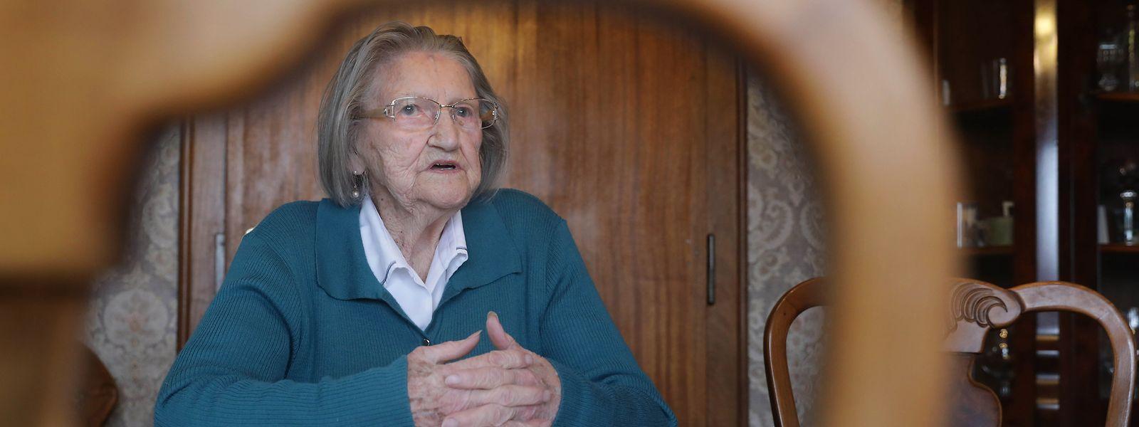 In ihren 100 Lebensjahren hat Pauline Blasius vieles erlebt. Beim Erzählen wird so manche Erinnerung geweckt.