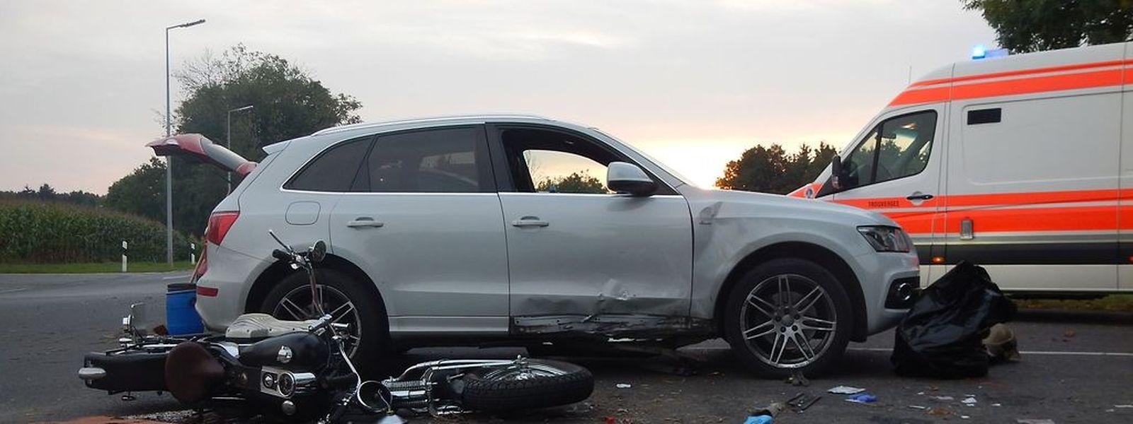 Der Motorradfahrer konnte dem Wagen nicht mehr ausweichen.