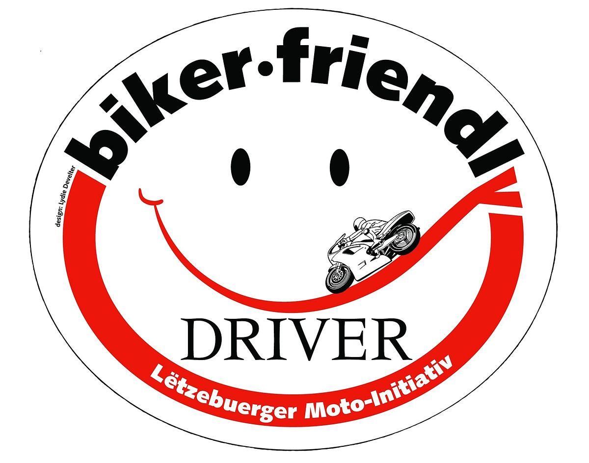 Diesen Sticker klebten Autofahrer auf das Heck ihres Wagens, um den Bikern ihre Anerkennung zu zeigen. Die Aktion soll demnächst wieder aufleben.