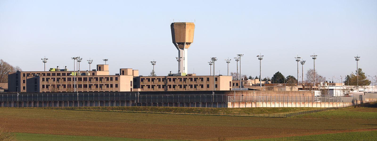 Im Oktober 2004 kehrte Jean-Marc Sirichai Kiesch nach einem Hafturlaub nicht mehr in die Strafanstalt in Schrassig zurück.