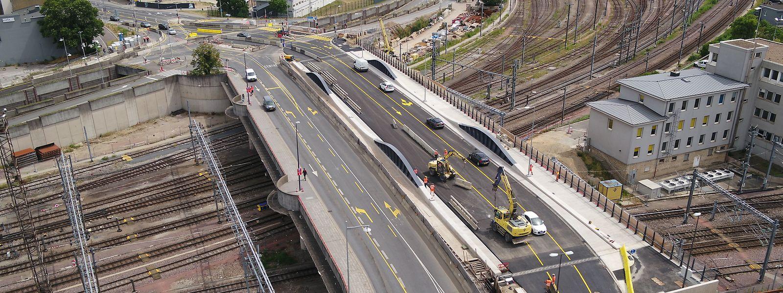 C'est maintenant la partie côté gare du pont qui va faire l'objet d'une transformation majeure (à gauche sur la photo).