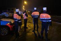 Lokales,Couvre-Feu-Kontrolle der Polizei,Ausgangssperre wegen Corona,Covid,Polizeokontrolle in Lintgen. Foto: Gerry Huberty/Luxemburger Wort