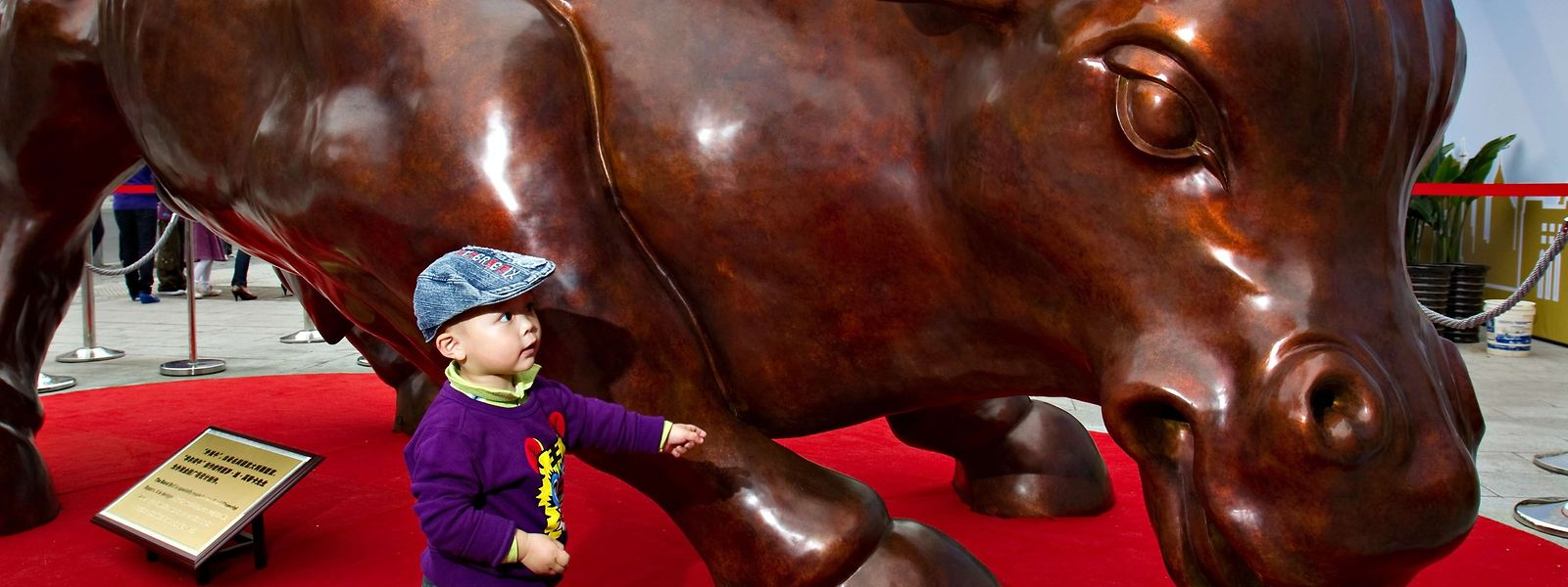Die Skulptur sollte laut ihrem Schöpfer den wachsenden Aktienmarkt symbolisieren.