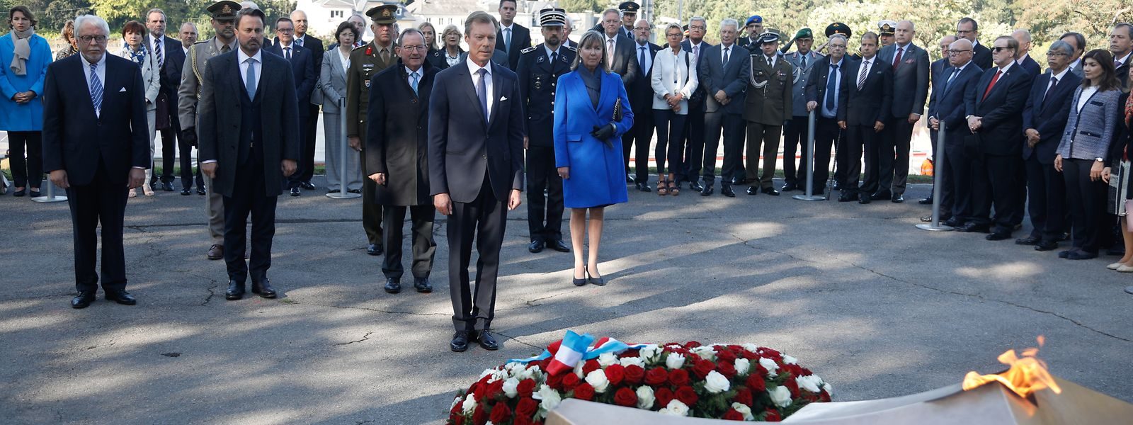 Die Erinnerungsfeierlichkeiten an den 75. Jahrestag der Befreiung der Hauptstadt begannen mit einer offiziellen Kranzniederlegung am Kanounenhiwwel.