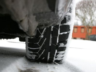 If you've already had your summer tyres put on, be advised: the snow and cold in recent days could actually earn you a fine.