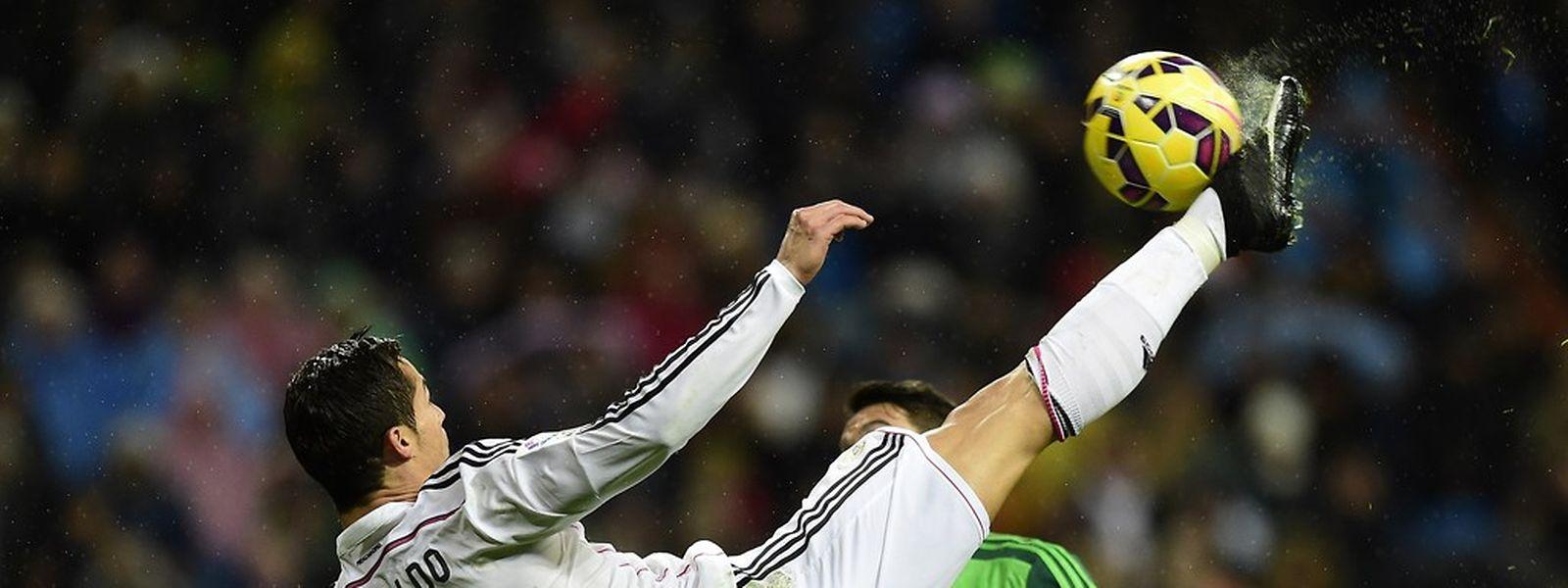 Cristiano Ronaldo continua a marcar e a quebrar recordes