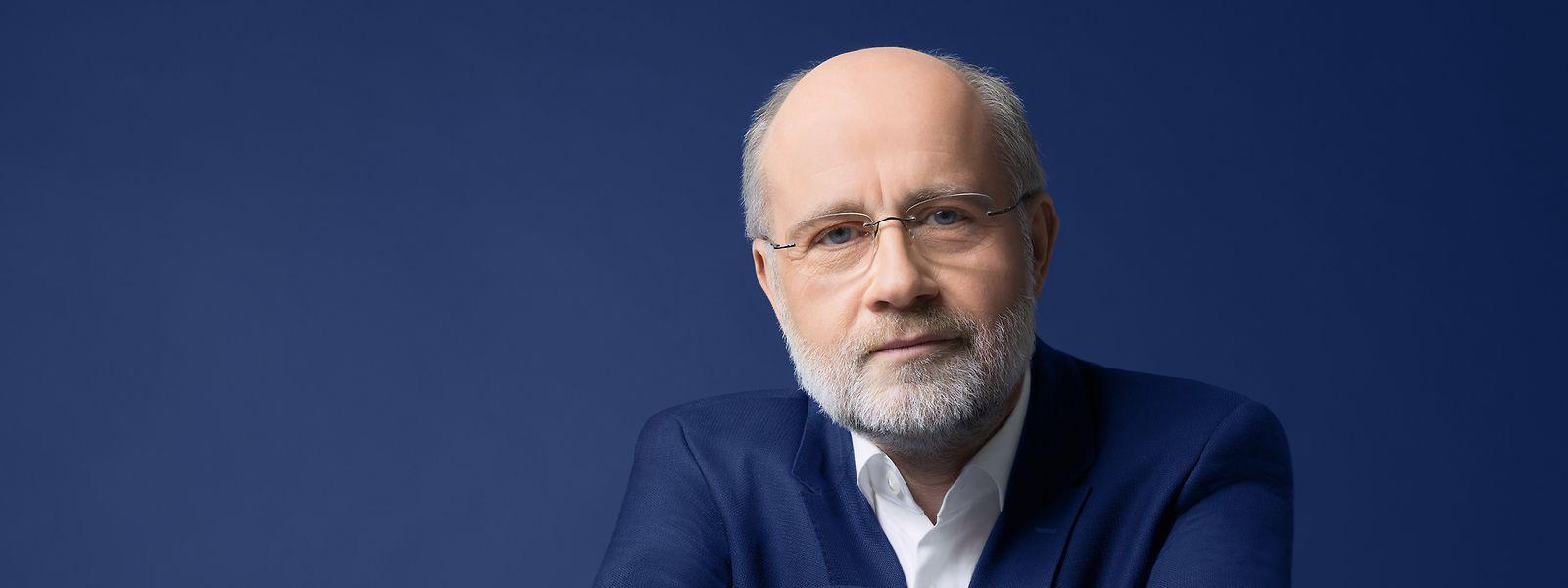 Prof. Harald LeschHarald Lesch zählt zu den bekanntesten Wissenschaftsjournalisten im deutschen Fernsehen. Sein Hauptarbeitsgebiet, so der Astrophysiker, sei aber die Hochschullehre.