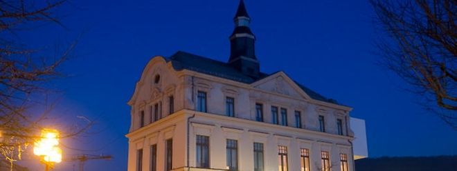 Im Kulturzentrum sind auch die Musikschule der Stadt Differdingen sowie die öffentliche Bibliothek untergebracht.