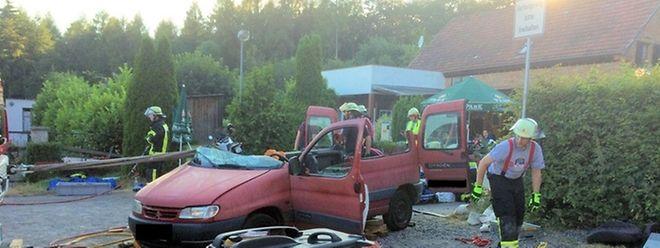 Der Citroën-Kleintransporter ähnelte nach der Rettungsaktion einem Cabrio.