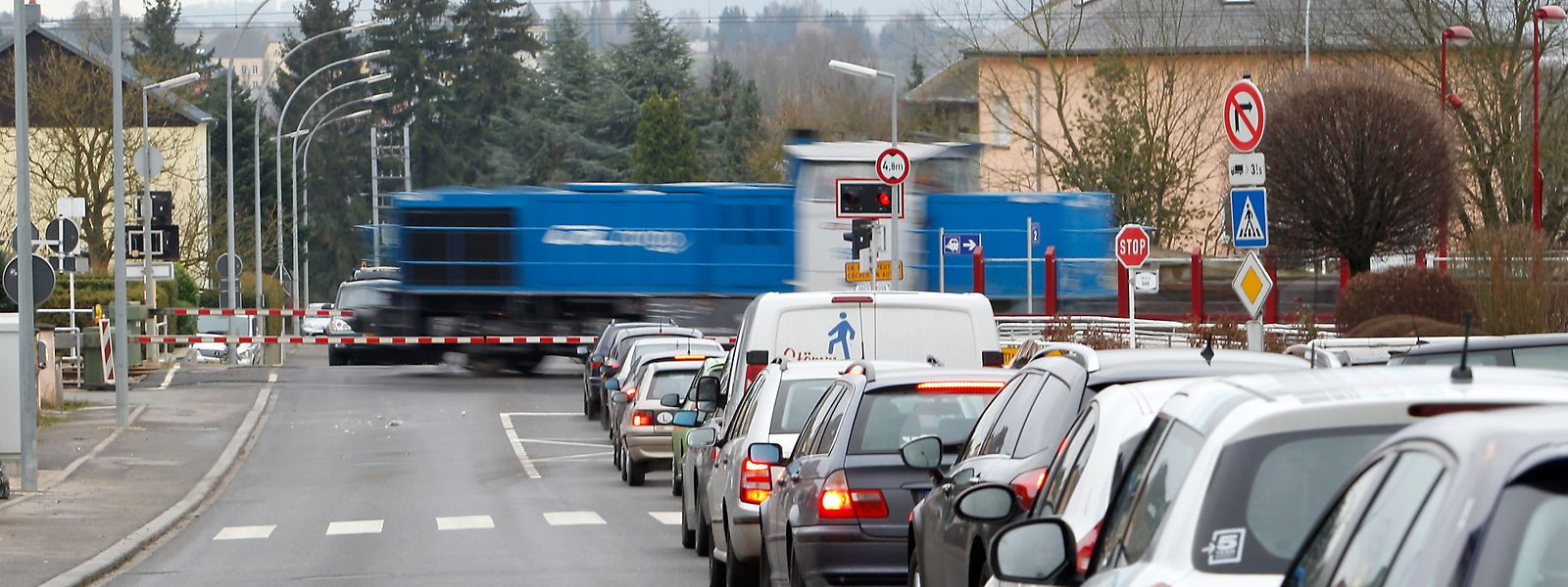 Die Bahnschranke in Dippach-Gare sorgt täglich für erhitzte Gemüter bei den Autofahrern und Anwohnern.