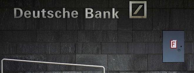 Os prejuízos do maior banco alemão foram de quase dois mil milhões de euros.
