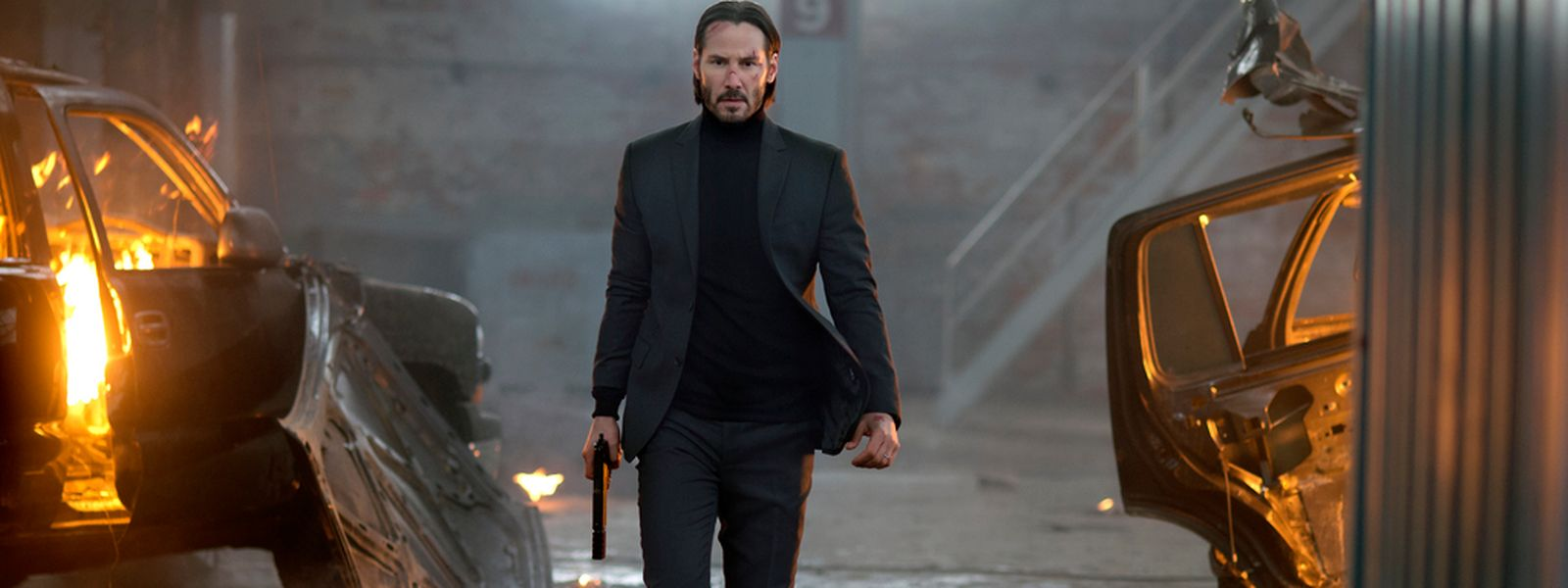 JohnWick (Keanu Reeves) ist der klassische Rächer: zielorientiert und unerbittlich – und zwar im Designer-Bodycut-Outfit.