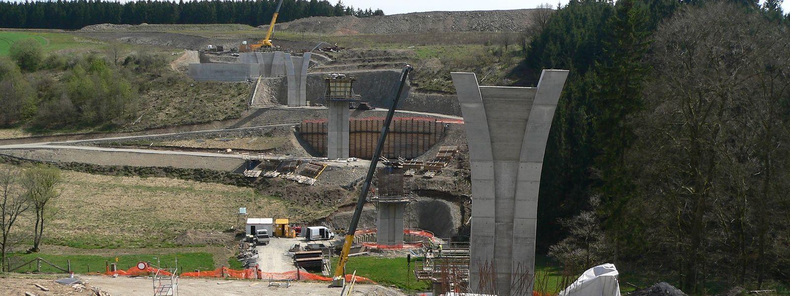 """Die Eindrücke von der Baustelle für die """"Irbich""""-Talbrücke lassen bereits jetzt ein imposantes Bauwerk erahnen."""