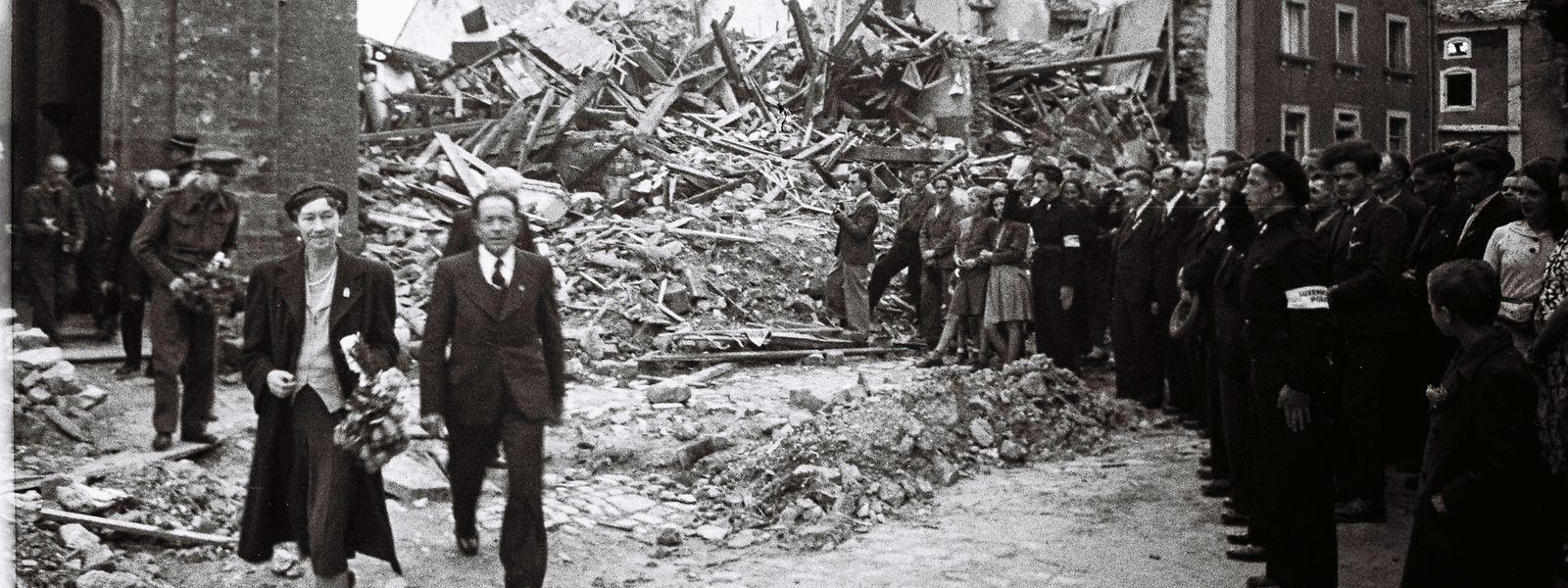 25. Mai 1945: Großherzogin Charlotte besucht das zerstörte Befort.