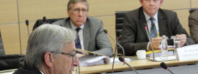 Premier Jean-Claude Juncker muss sich vor dem Geheimdienstuntersuchungsausschuss verantworten.