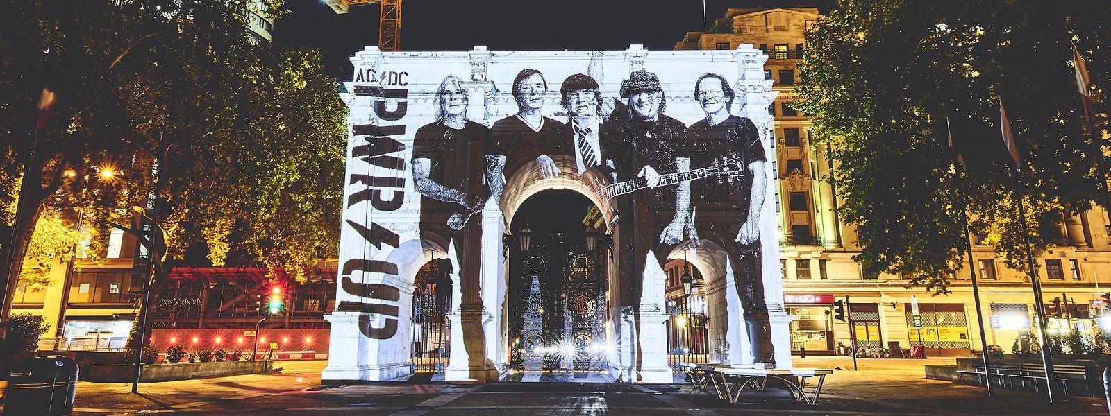 Spektakel am Marble Arch in London: AC/DC haben den Veröffentlichungstermin ihres 17. Albums bekannt gegeben.