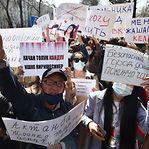 Quirguistão. Centenas protestam contra assassínio de mulher sequestrada para casar