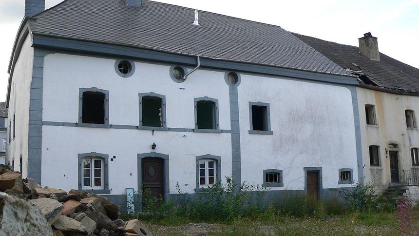 Diesem alten Bauernhaus in Heinerscheid drohte im März der Abriss. Das Kulturministerium stellte das Gebäude aber in letzter Minute unter Denkmalschutz.