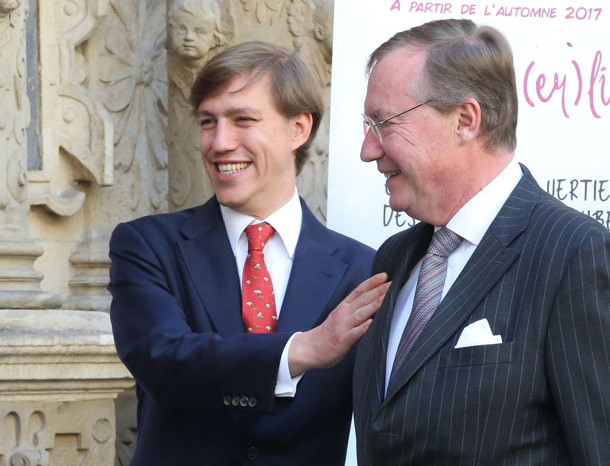 Mitte Mai freute sich Prinz Louis mit seinem Onkel, Prinz Jean, über die Heirat von dessen Tochter Marie-Gabrielle.