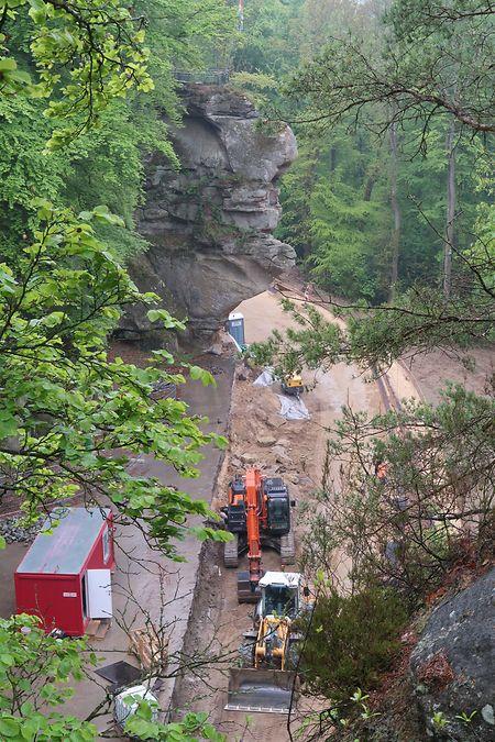 Unterhalb des Predigtstuhls haben die Baufirmen den Untergrund aufgeschüttet und stabilisiert. In den nächsten Wochen wird die Asphaltschicht aufgetragen.