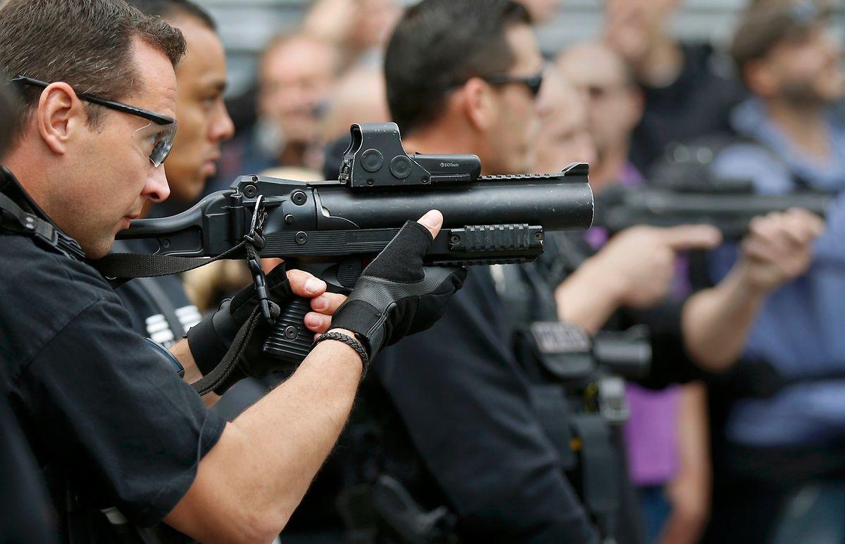 Die Polizei musste Tränengas schießen, um die Randale in den Griff zu bekommen.