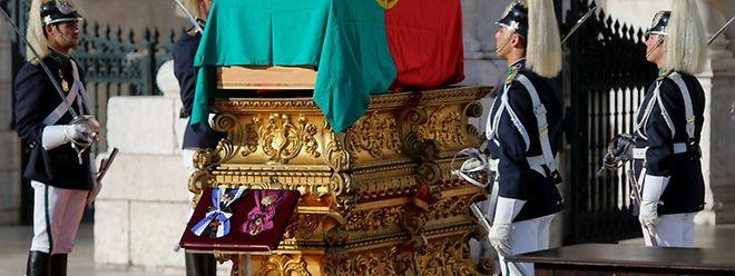 """2 de julho de 2014, um dia histórico para Portugal, em particular para a literatura portuguesa. O dia da transladação de Sophia de Mello Breyner Andresen para o Panteão Nacional. Um novo lar para a """"Menina do Mar""""."""
