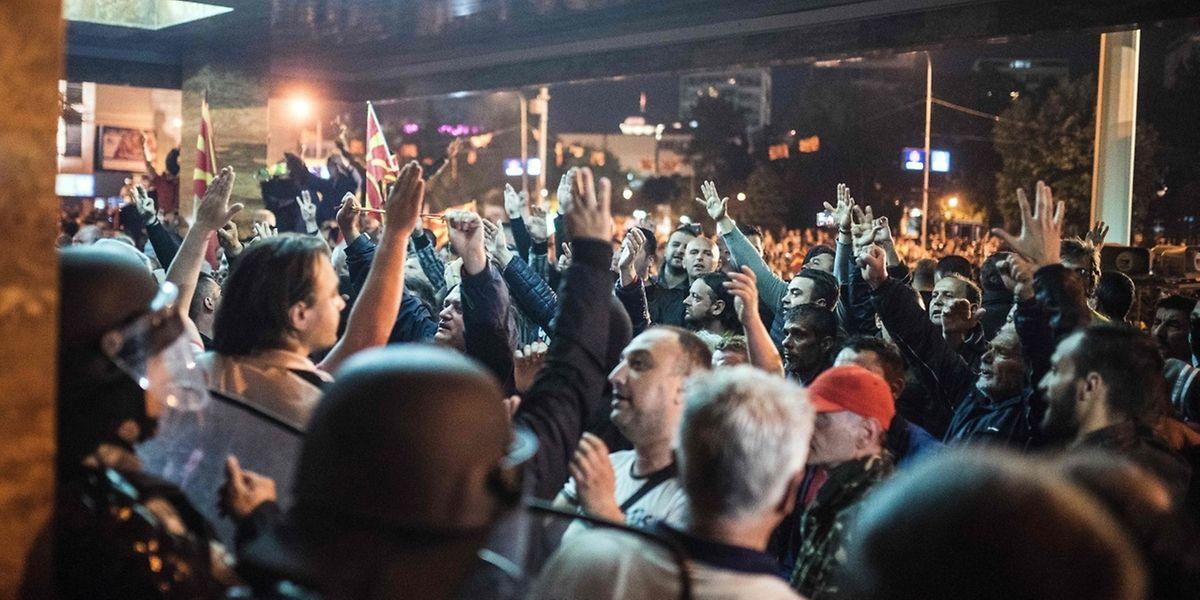 Die Proteste dauerten am Donnerstagabend an.