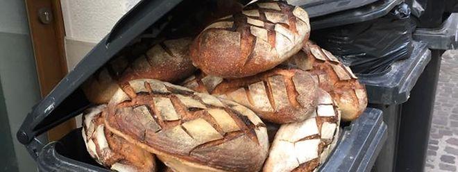Cette photo provient d'une boulangerie dans la zone piétonne de la ville haute.