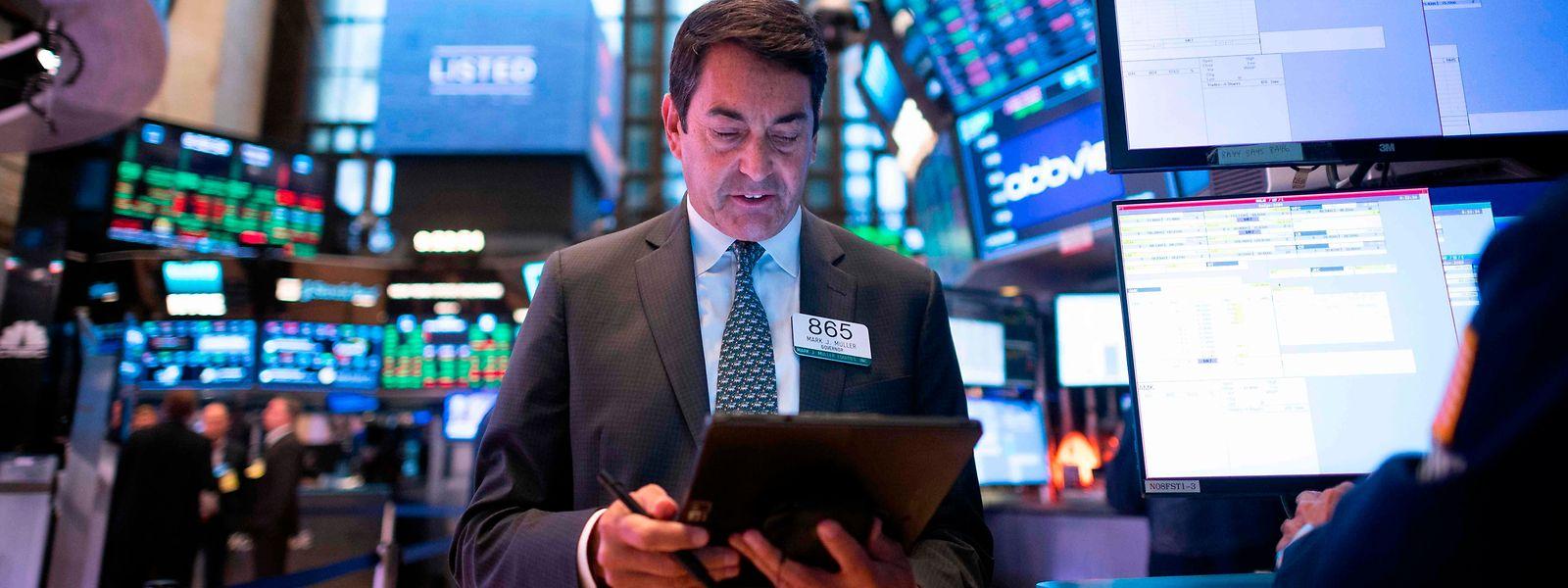 Anleger - wie hier an der Böres in New York - warteten gespannt auf die Resultate des Tech-Riesen.