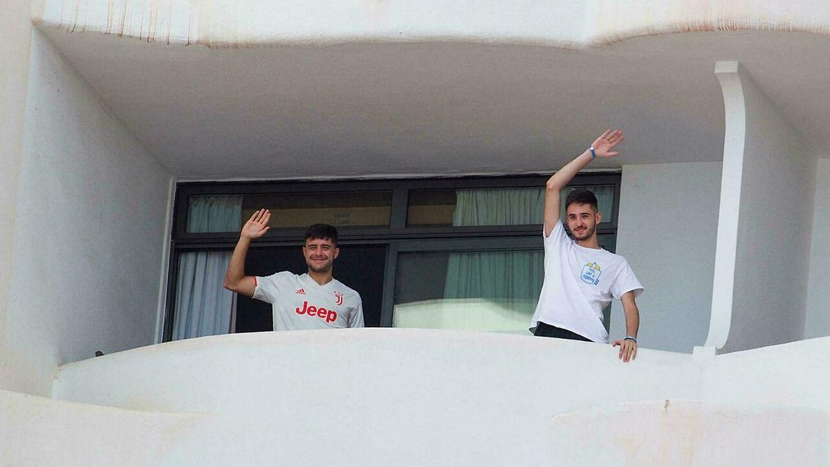 Des centaines d'étudiants sont encore confinés dans des hôtels de l'île espagnole.