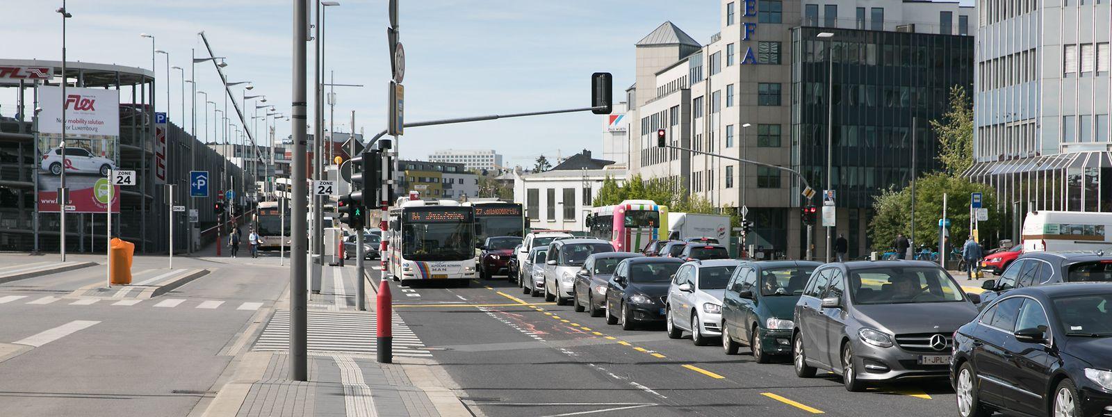 Am Montag und Dienstag sorgte die veränderte Verkehrsführung in der Avenue de la Gare für ein Verkehrschaos.